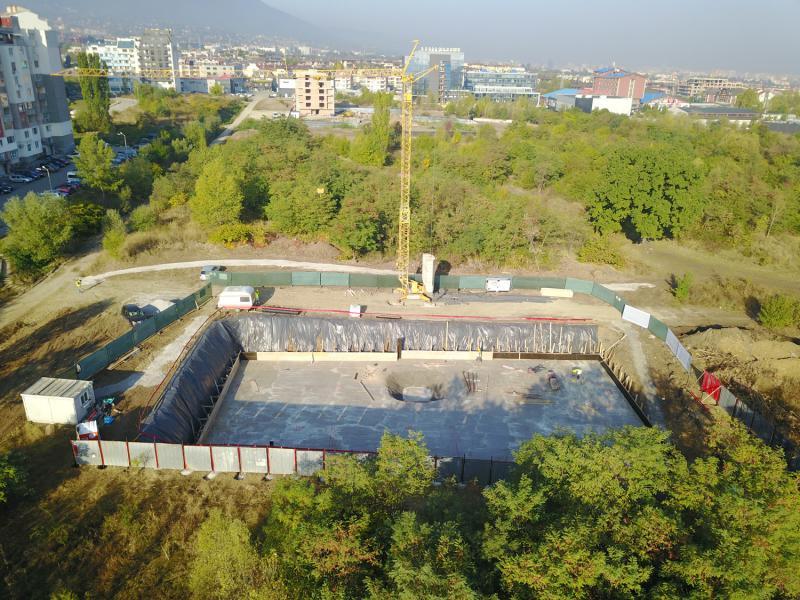 Изливане на фундаментна плоча - The Square Apartments